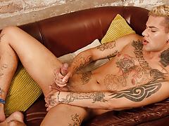 Inked Boyish submissive Mickey Unloads - Mickey Taylor