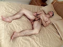 Buff Boy Feet From Underside - Cage