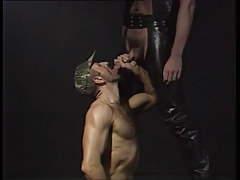 Bear man sucks hairy gay in leather