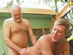 Hairy dad drills poor dilf in doggy style