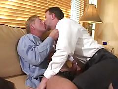 Kiss Gay